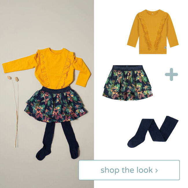 Shop the look - sweater, rok & maillot -